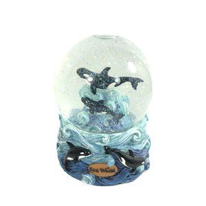 Sea World Snow Globe features Orca/Killer Whale 5""